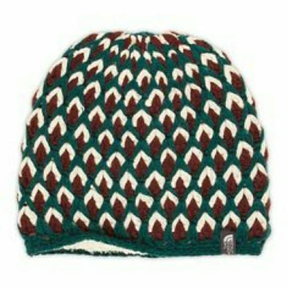 6a8d0a00e86 Briar North Face knit beanie